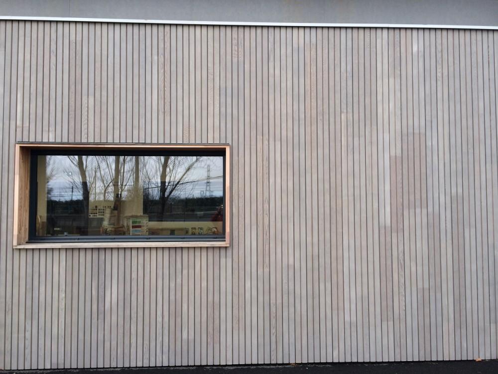 Maisons bois, charpentes bois, terrasses bois et aménagements bois ~ Pose Bardage Vertical Bois